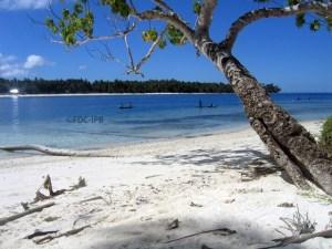 Pesona Pantai Mbromsi