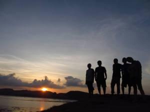Menikmati Sunset Tanjung Aan