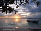 Keindahan Sunset di Pulau Tinabo